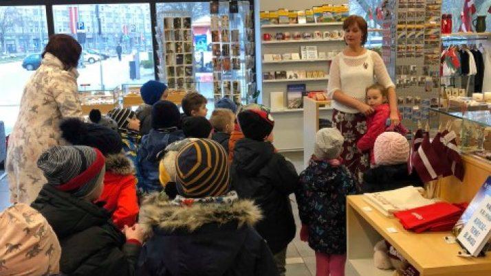 Pirmsskolas bērni Liepājas reģionālā tūrisma informācijas birojā