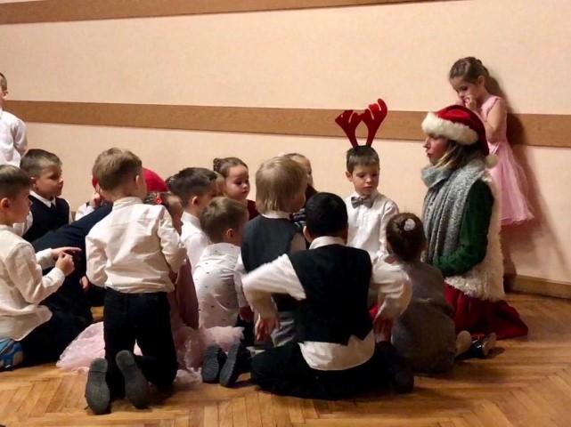 """Ziemassvētku pasākums """"Pelītēm"""" un """"Podziņām"""""""