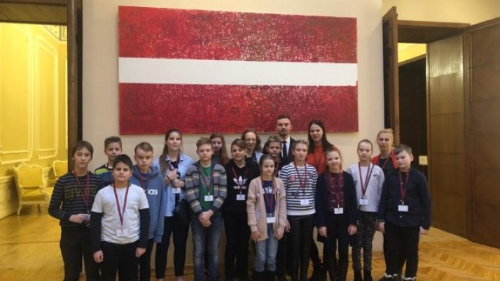 4., 5., 6. klases skolēni Latvijas Republikas Saeimā